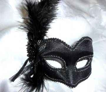 Petite Black feather velor mask (glasses arms or ribbon fitting) (1)